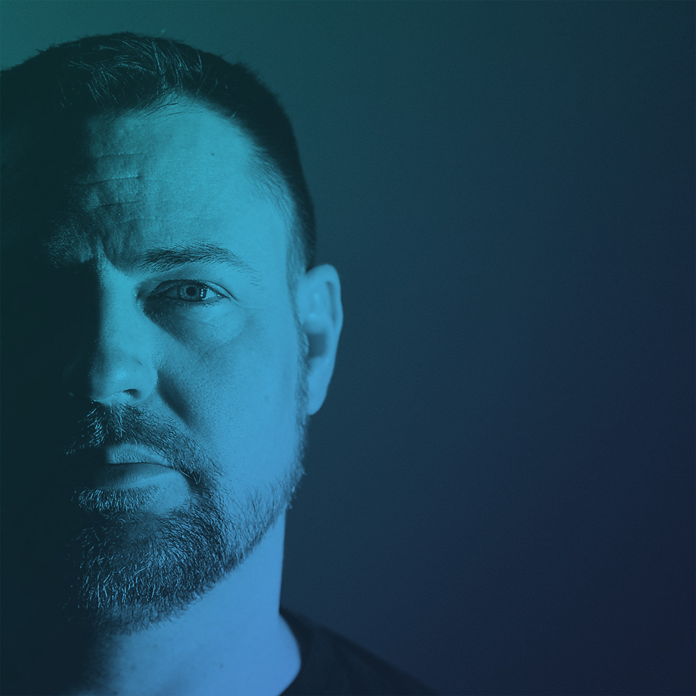 RickLaplante - Hailing from Ottawa, Canada, Rick's involvement in the party scene began in London, ON in early 1992 as a partner of Prism Productions, a project committed to hosting intimate gatherings with good vibes & fresh music.