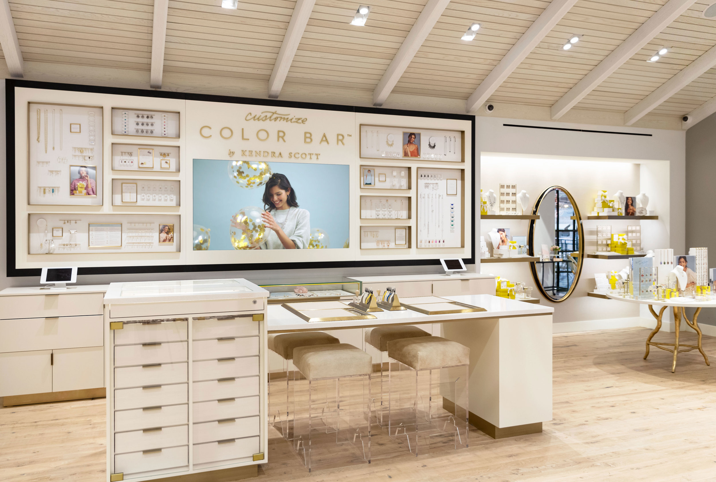 Customize Jewelry at the Kendra Scott Color Bar in Austin Texas