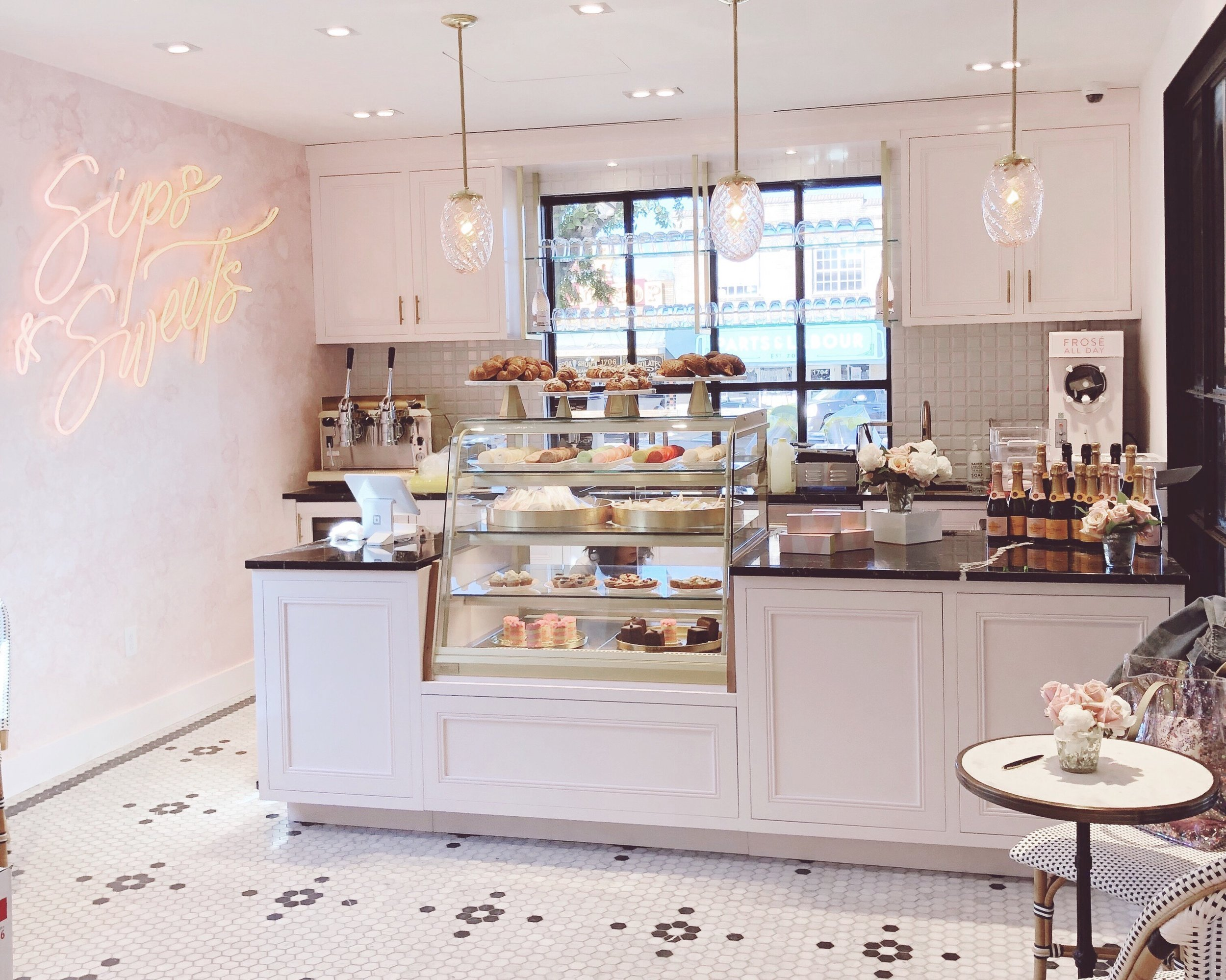 Kendra Scott Sips and Sweets Cafe in Austin, TX