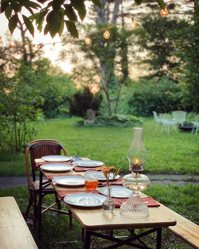 Sunday evening dinner al fresco - the best way to enjoy our landscape and greenery #52weeksofhomeweek25 #52weeksofhome