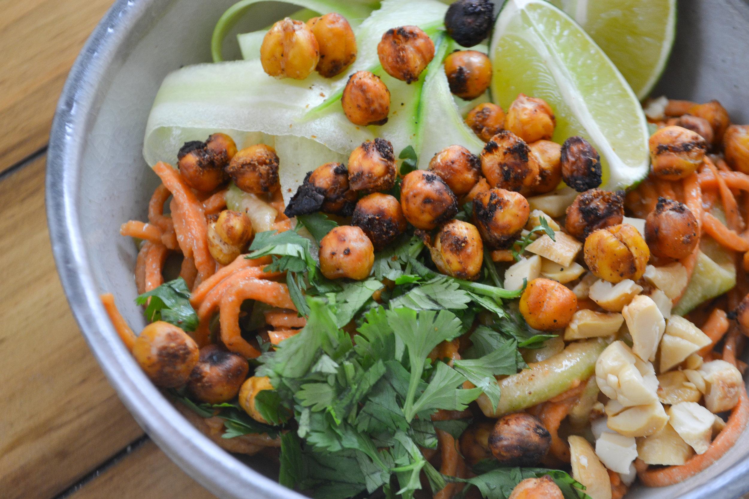 Sweet Potato Pad Thai Salad Bowl | Sass Magazine Fall Recipes | Veggie Noodles | BySarahRae.com
