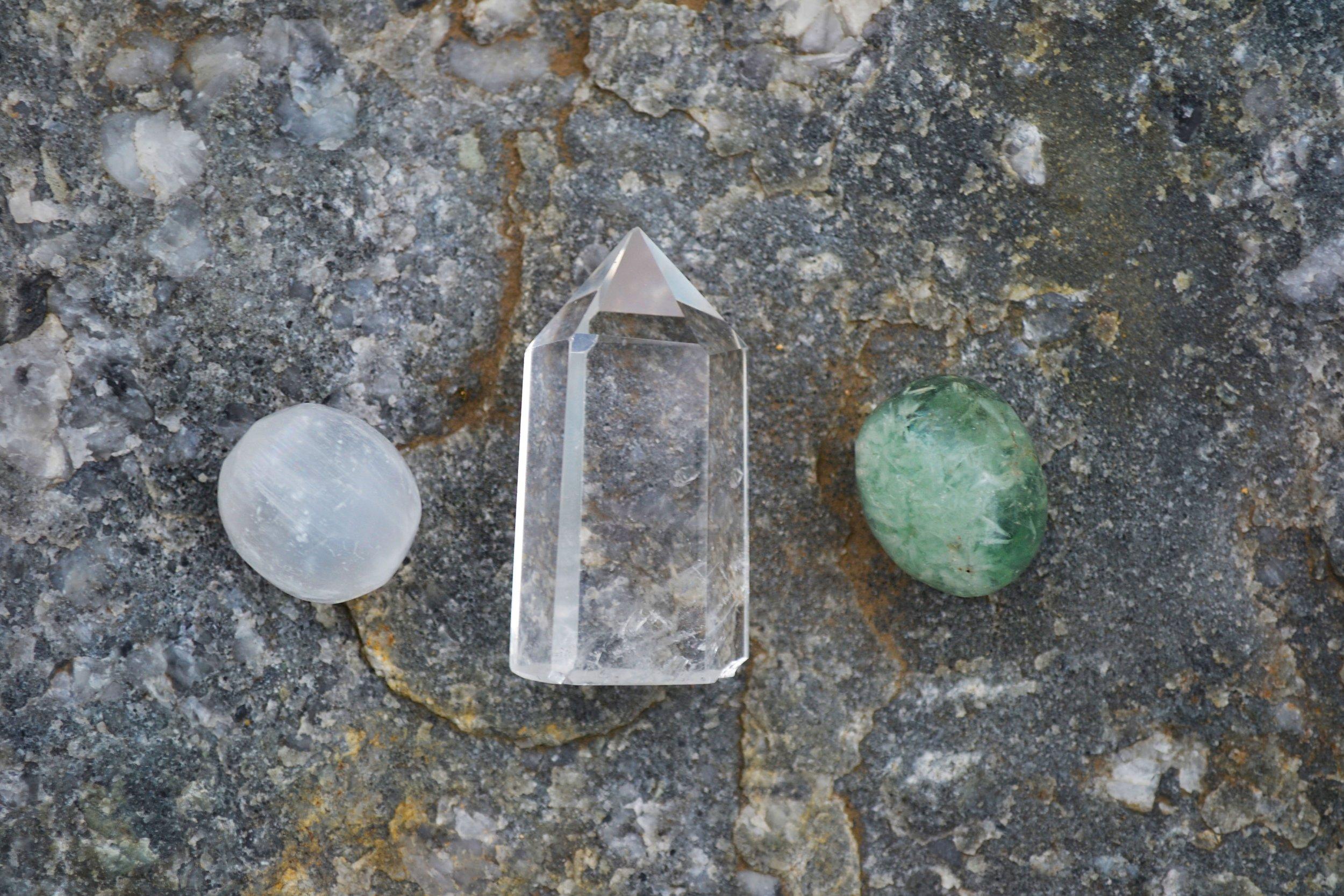 crystal-crystals-gems-1573240.jpg