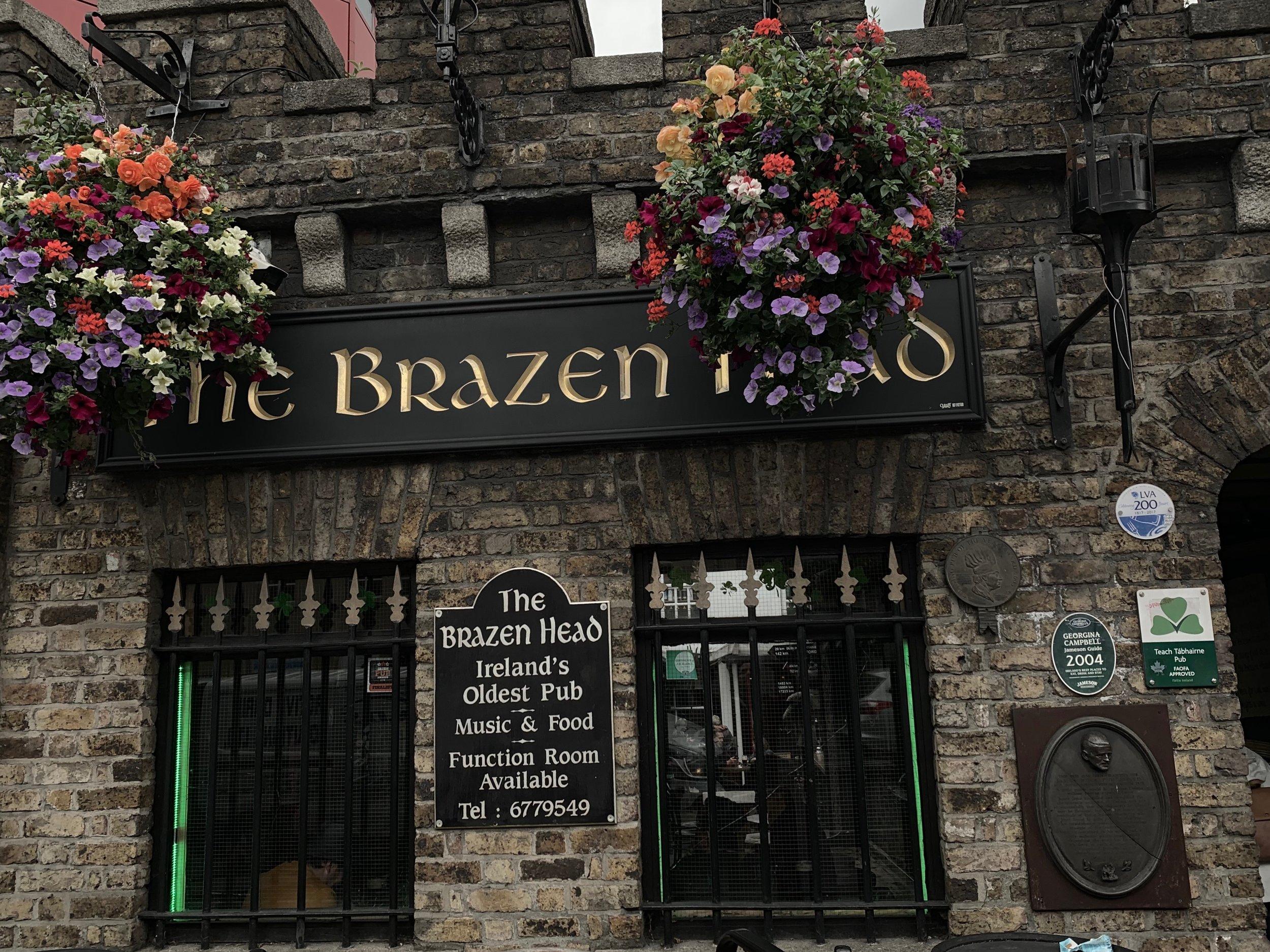 The Brazen Head bar | A Little Guide to Dublin | BySarahRae.com