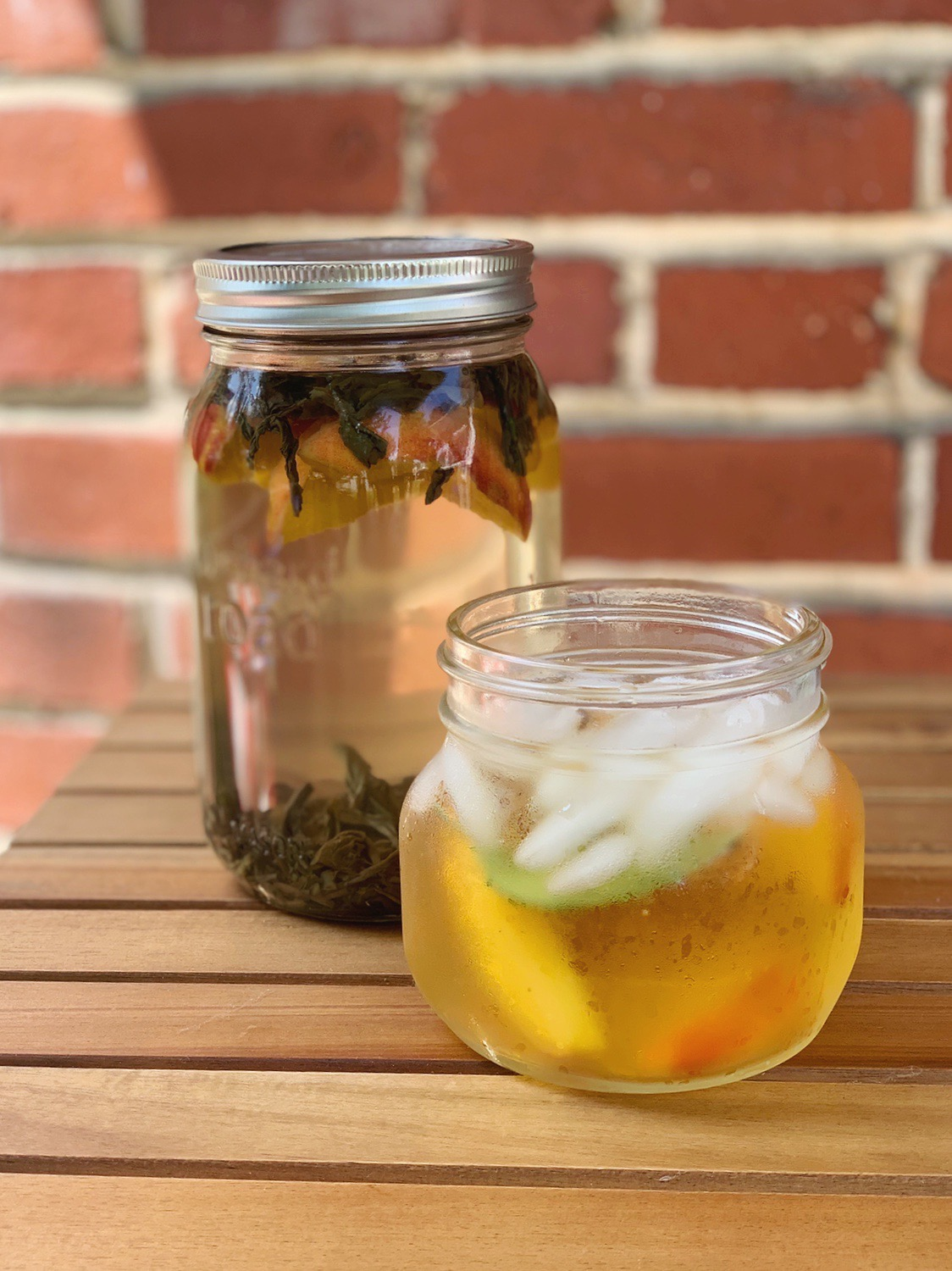 Green Tea and Peach Sun Brewed Tea | Favorite Water Boosters | BySarahRae.com