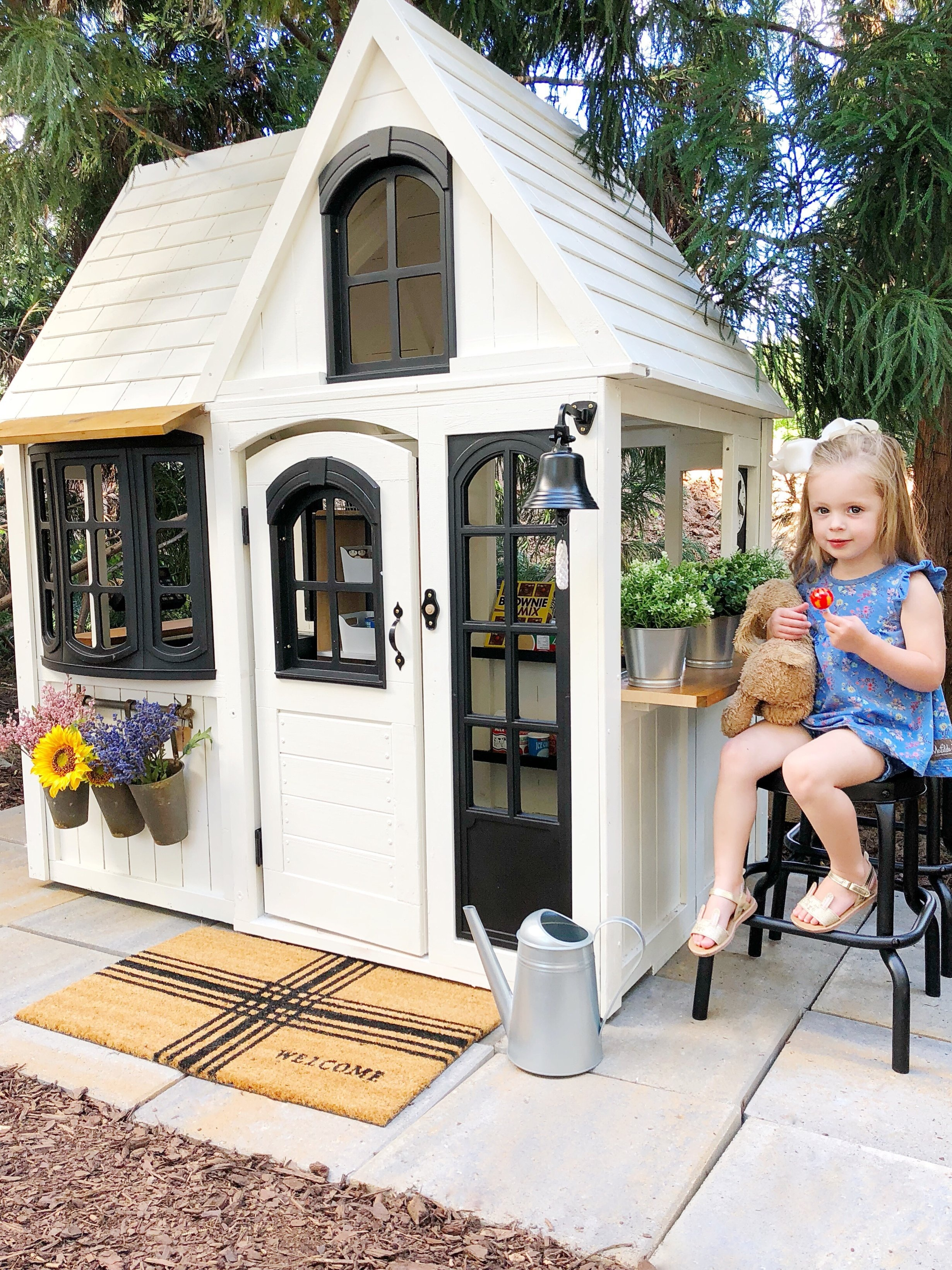 Porche City Market- Girl's Outdoor Playhouse -