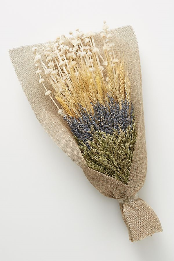 8. Dried Lavender Bouquet - Bringing in raw and dried florals brings another touch of fall indoors. These would look beautiful in an entryway or living space.