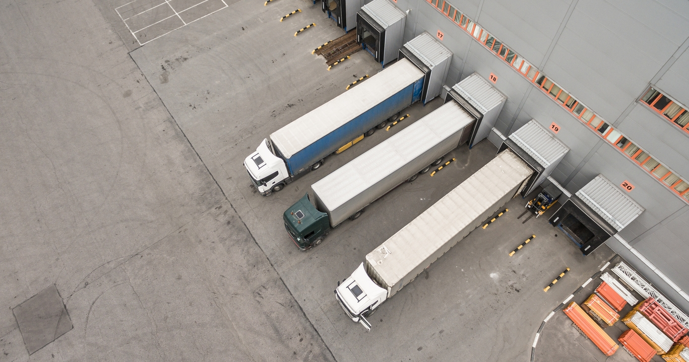 SmartDOCK™ - Monitor berths at the distribution center to optimize traffic, monitor dwell time, and provide better visibility to load/unload operations. Connect with Locix's open API platform to integrate data into Fleet Tracking and Operations systems.