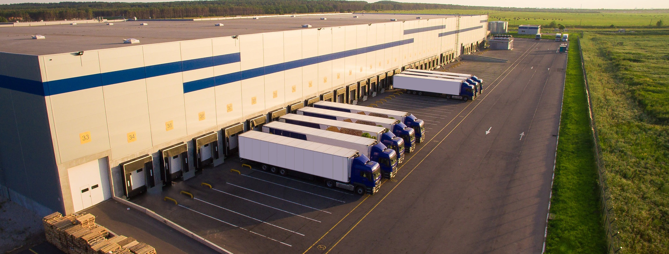 SMARTDOCK™ - Real-time insight into the current state of a loading dock, measures efficiency, and creates visual records of key activity. Facilities can quantify the impact of dwell time on their business, get insights for corrective action, and make smarter decisions.