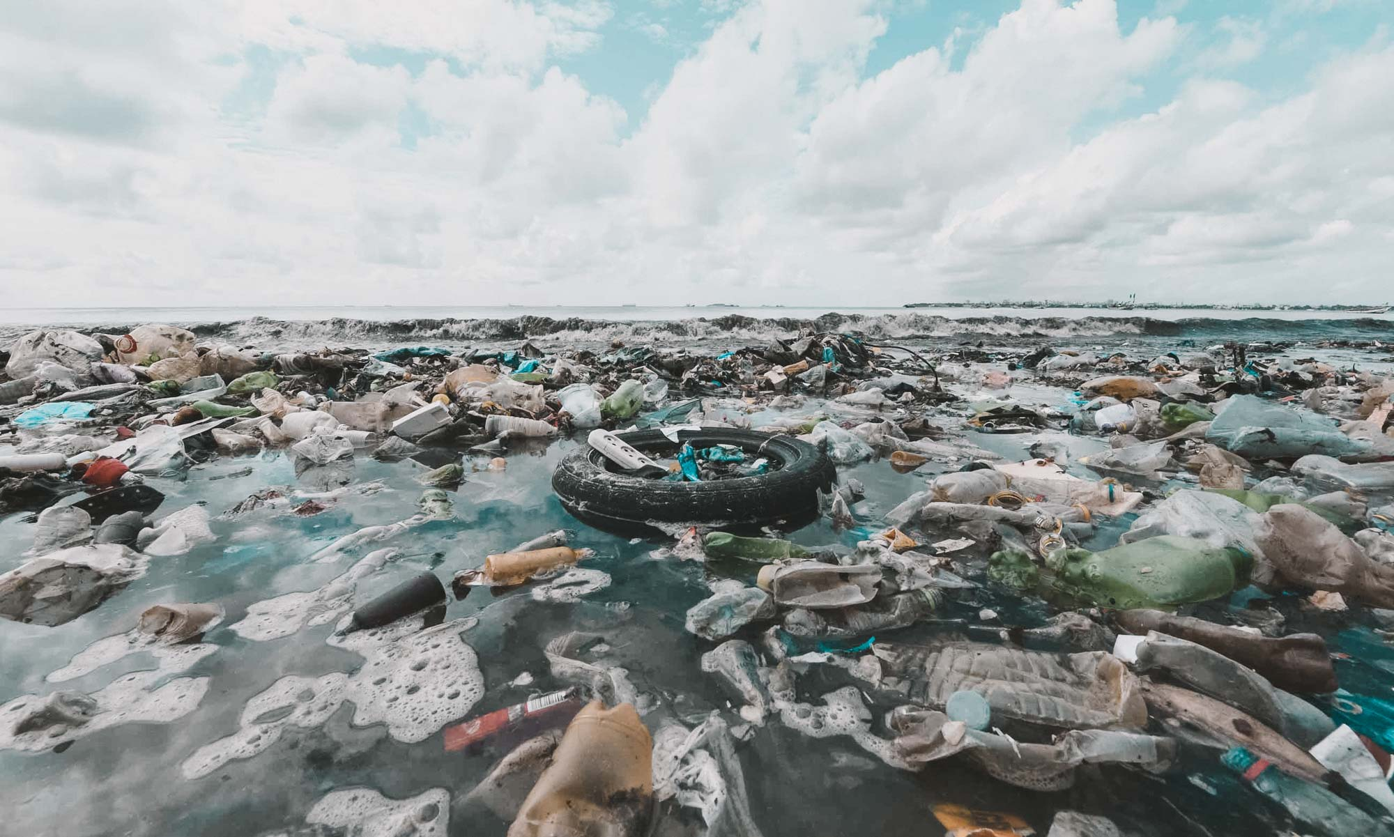 The Great Pacific Garbage Patch. Image via  Blue Ocean .