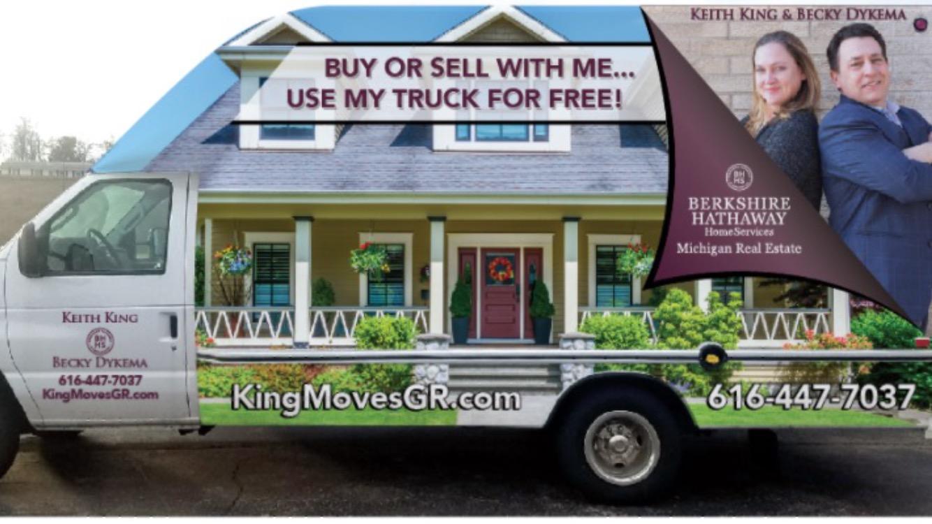 68794132_king_moves_gr.jpg