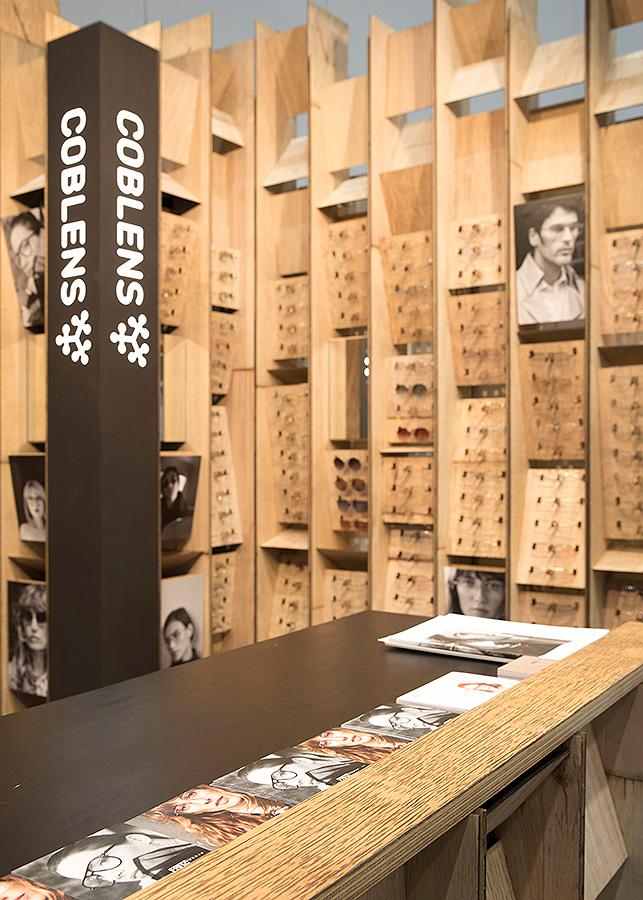 Fritz Frames Exhibition Stand - Modular Retail Display Design (7).jpg