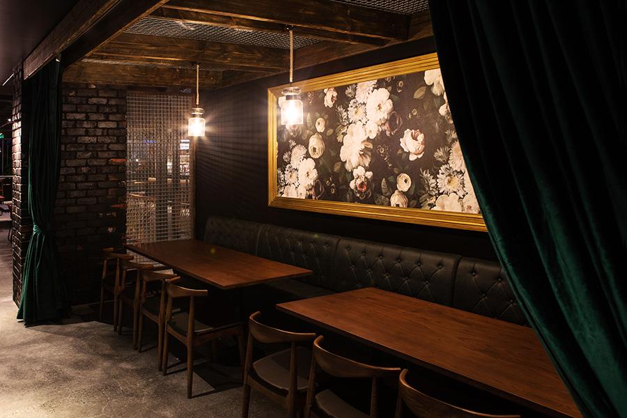 Uptown Gastropub Maroochydore - Craft Beer Gastropub Restaurant Design (3).jpg