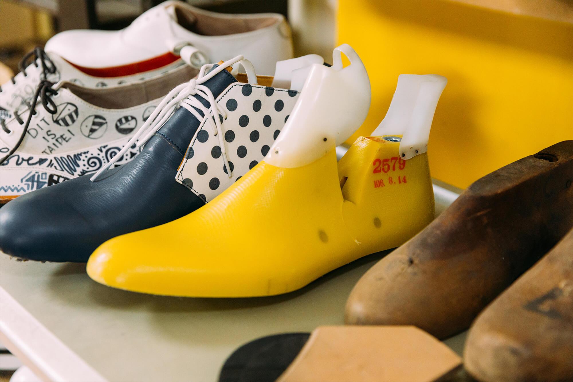 每双鞋的楦头都可依脚型调整。