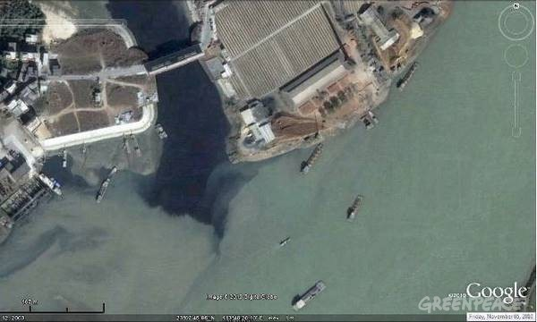 Chemical dyes and runoff from nearby factories pollutes nearby rivers in Guangzhou.   Image from Greenpeace .
