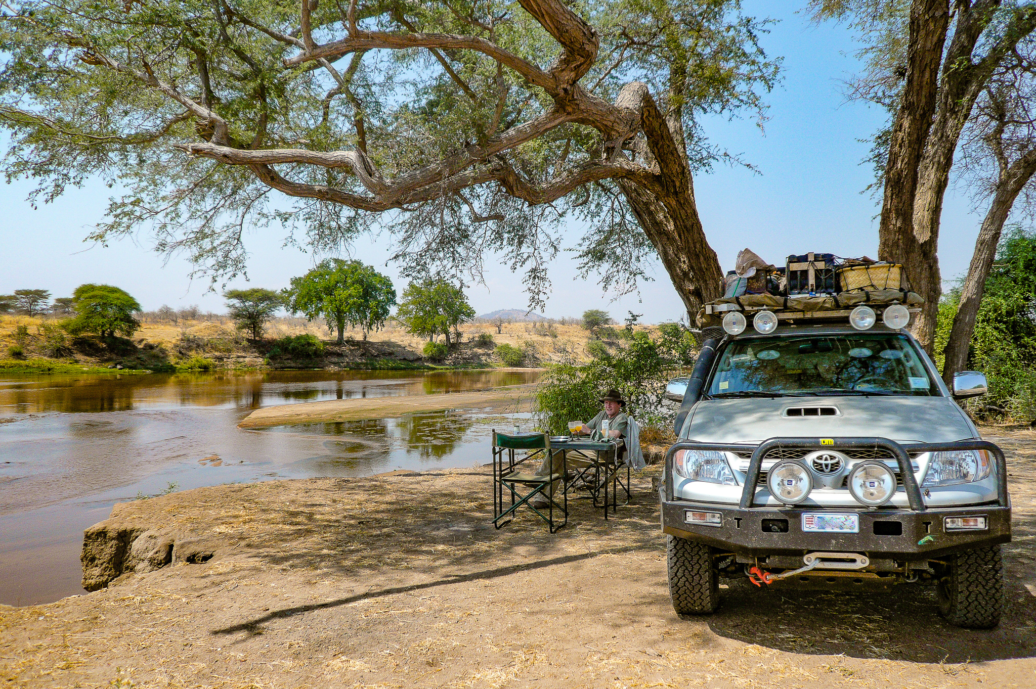 IN RUAHA NATIONAL PARK WE EVENTUALLY FOUND THE CORRECT CAMPSITE BESIDE THE RIVER.