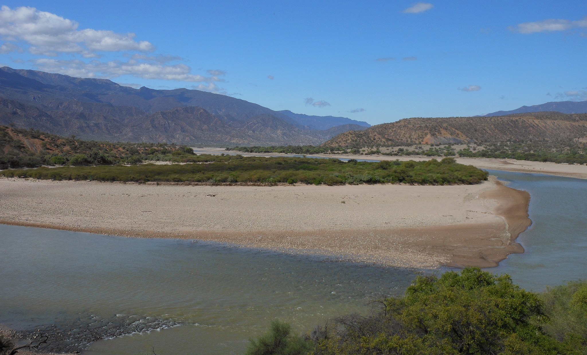 A BEND IN THE RIVER. THIS IS A VIEW ACROSS THE RIO GRANDE.