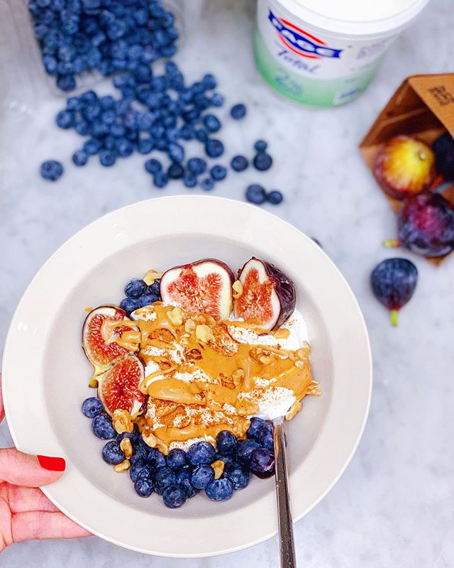 Need a healthy breakfast idea for tomorrow? Let me introduce you to my Figgin' Awesome Yogurt Breakfast Bowl! 🤤😍 In this recipe, I am enjoying my favorite Greek yogurt @fage of-all-time with this special ingredient: figs that I got from @wholefoods! High in soluble fiber, this fruit can help you stay fuller for longer and relieve constipation. It is also a good source of gut-heathy prebiotics as well as calcium and potassium for healthy bones and blood pressure regulation! Recipe as well as it's health benefits will be posted on my blog tomorrow morning at www.feibulous.com 🙃 By the way, these black figs are in season until late September (they also come in other varieties) Be sure to get yourself some before they're gone! They're bursting sweet and full of nutrients👩🏻‍🍳😉💕 #freshfigs #blackfigs #healthybreakfast #yogurtbowl #fageyogurt #healthyrecipe #cleaneats #cleanandlean #nutition #fitfoodie #fitspo #yummy #freshblueberries #feibulous #feibulouscooking