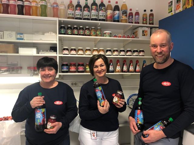 Produktutviklar Wenche Wefring, Oddbjørg Fjelltun og Gunnar Eikemo har gjort ein formidabel jobb med å redusere sukker i produkta våre.
