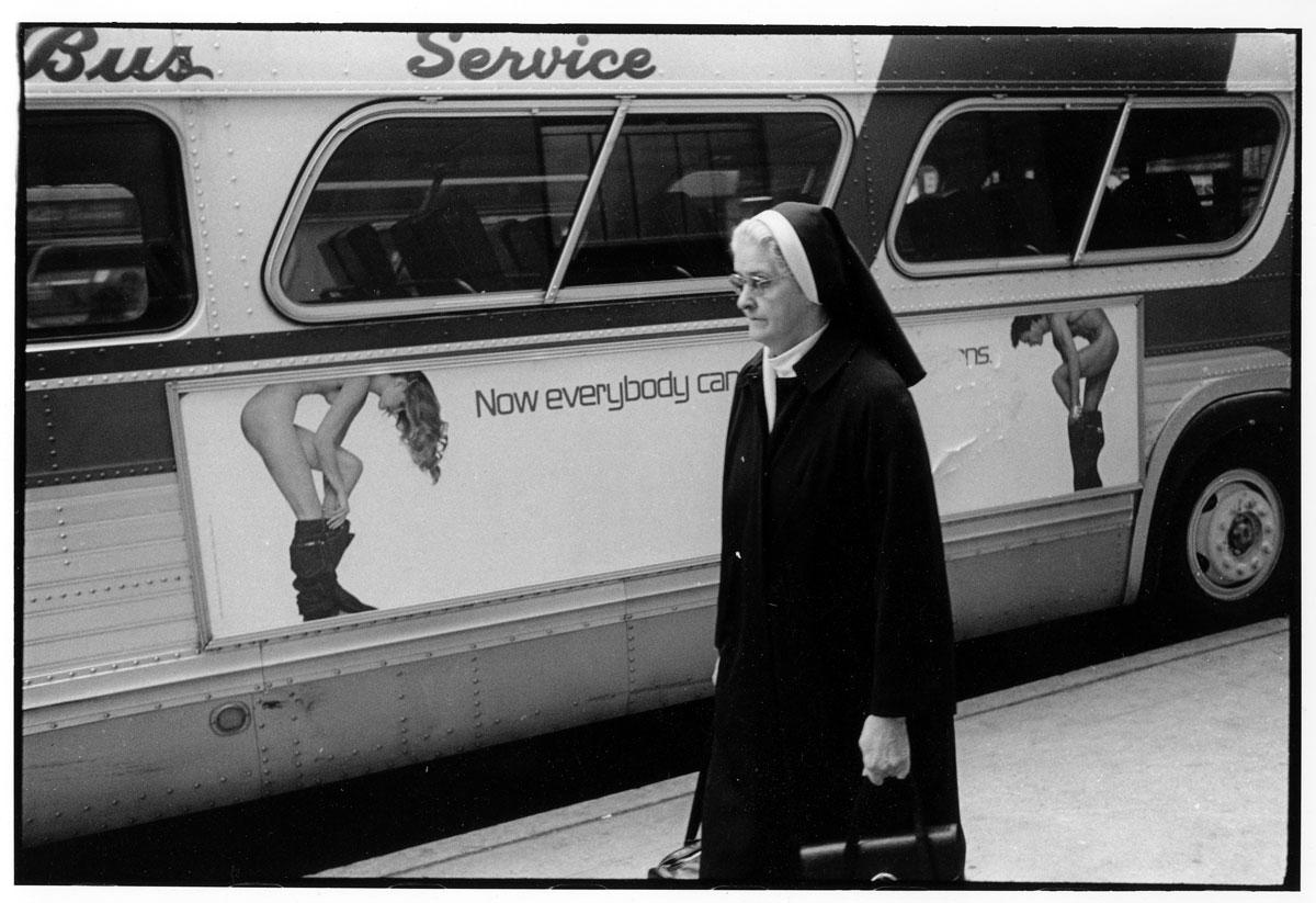 NYC_1979_NunBus_1200p_GODLIS.jpg