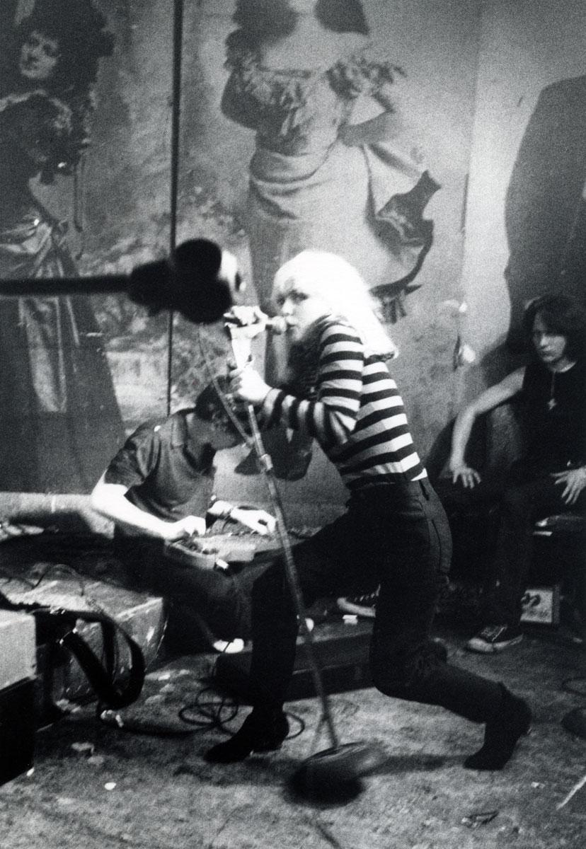 Blondie_CBGB_1977_1200p_GODLIS.jpg
