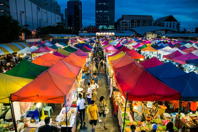 bangkok-night-bazaar.jpg