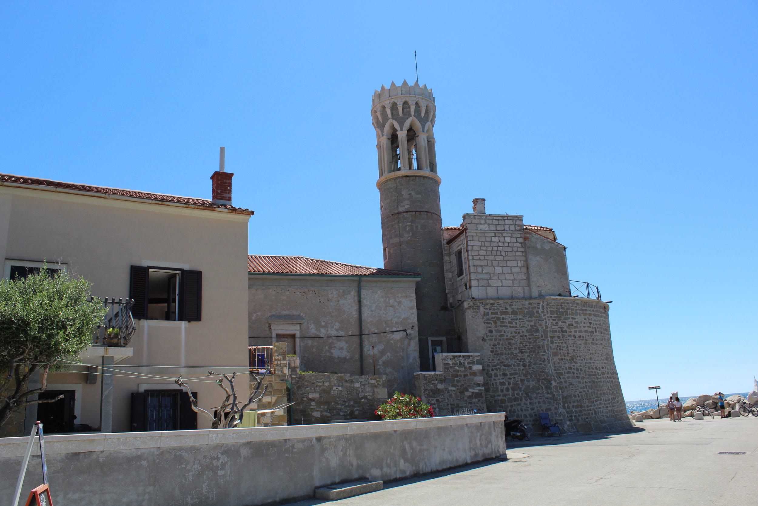 Piram Lighthouse.JPG