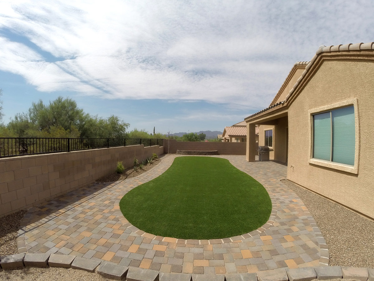 Landscape Design - Are you looking to modify, build, or reinvent your landscape's look? La Cholla Landscaping offers the best in both Landscape Design and Landscape Installation. With our expertise, you can achieve the dream landscape you've always wanted. Throughout both processes our team will help you in choosing the look you want and installing it at the price and speed you need.