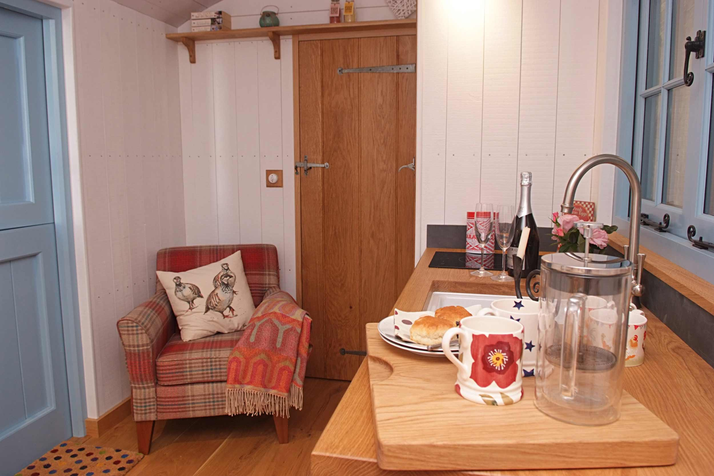 Shepherds Hut Cosy Kitchen with Fitted Unit and Sink