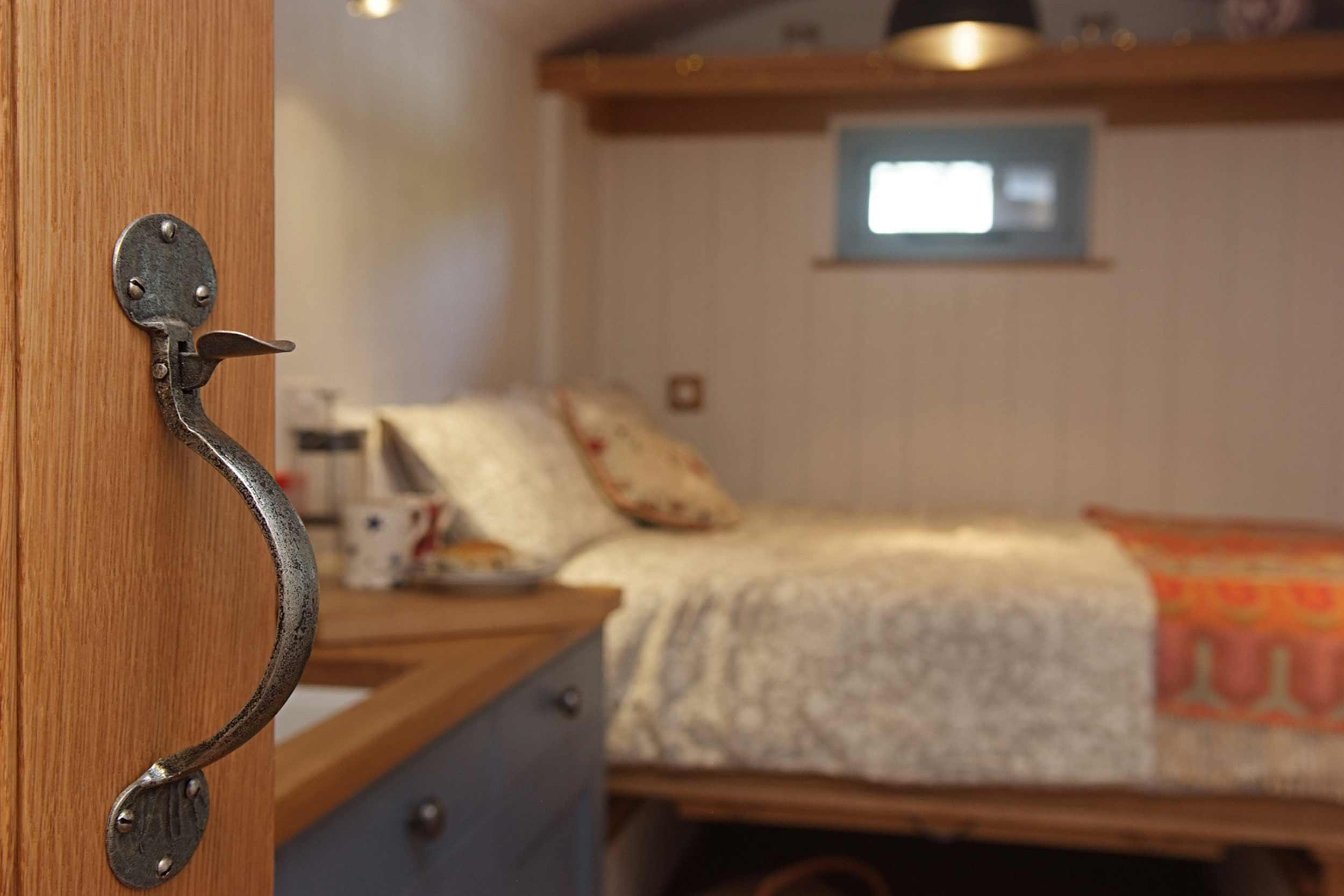Shepherds Hut Cosy Bedroom with Built in Fold Down Double Bed