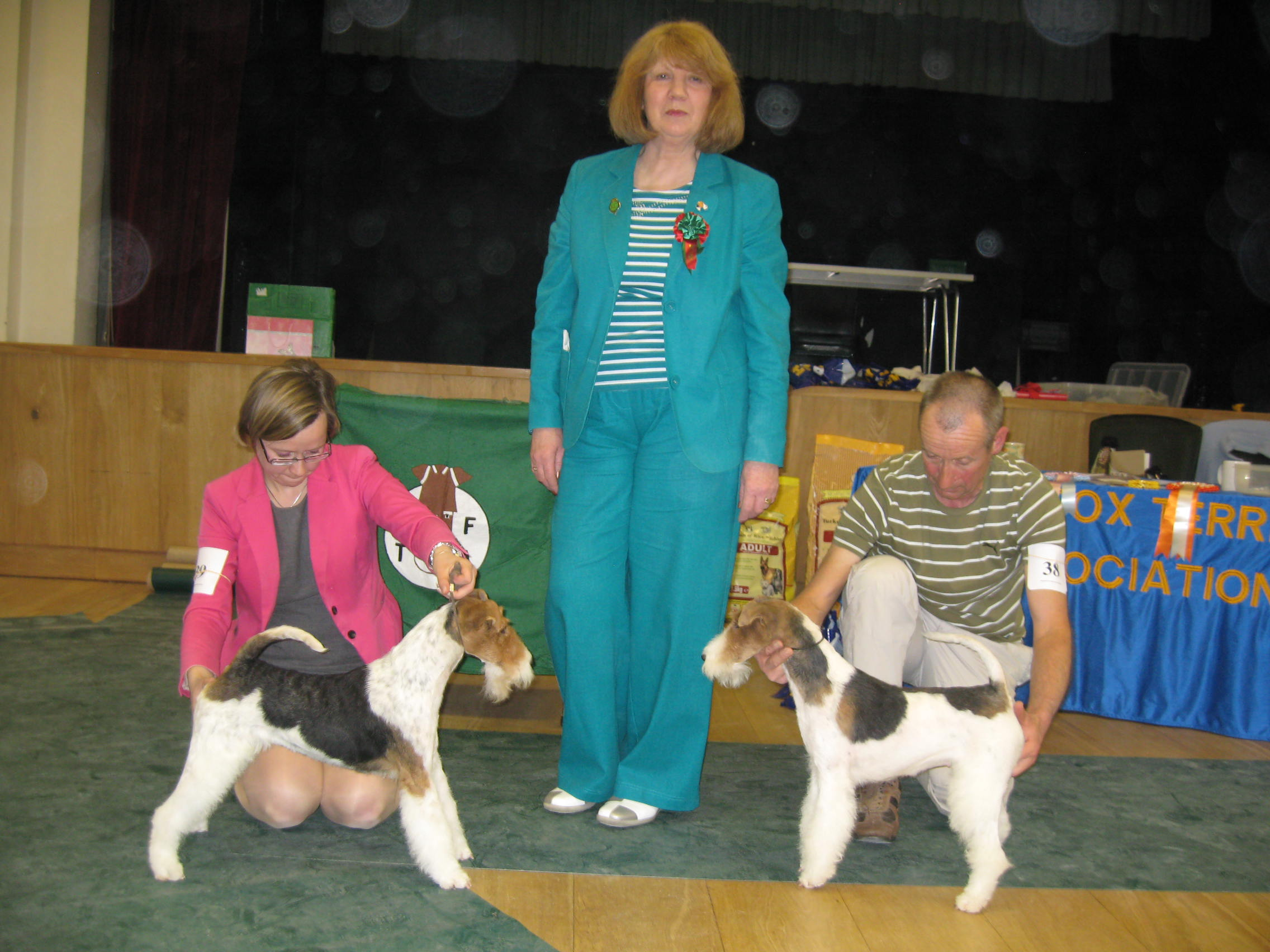 BB & BIS Warnell's Our Sweetest Thing (left). RBB & BPIS Magic Moment van Foliny Home