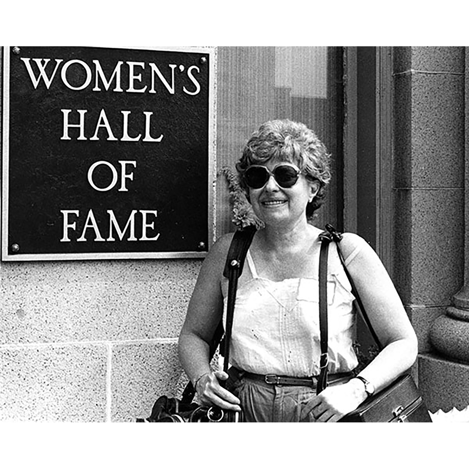 freda_leinwand_in_front_of_the_womens_hall_of_fame_1982_freda_leinwand_papers_courtesy_of_schlesinger_library_600px.jpg