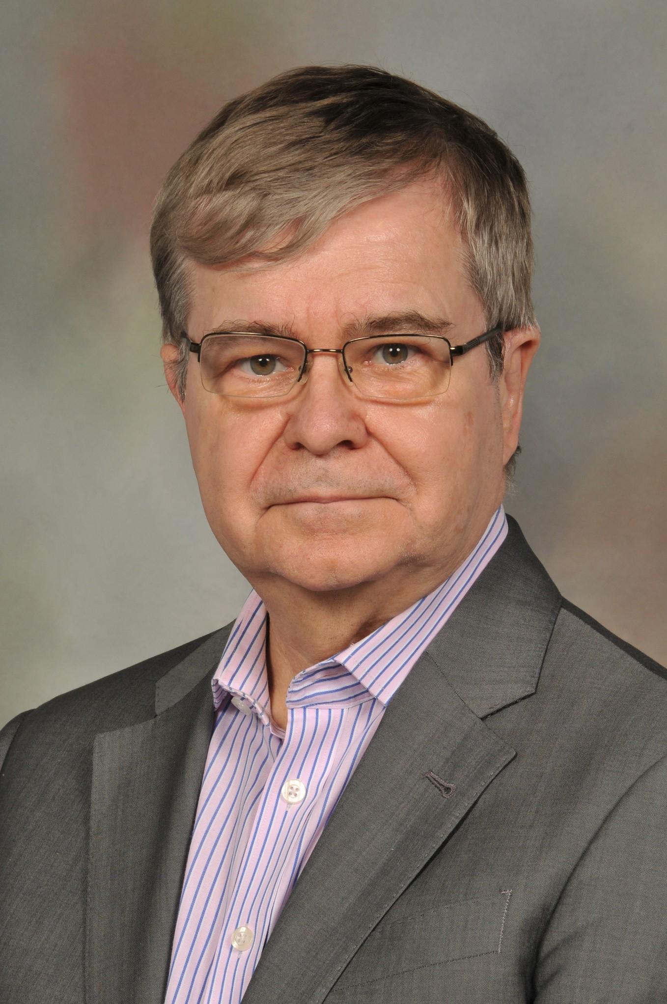 Dr Gary Sibbald photo[604].jpg