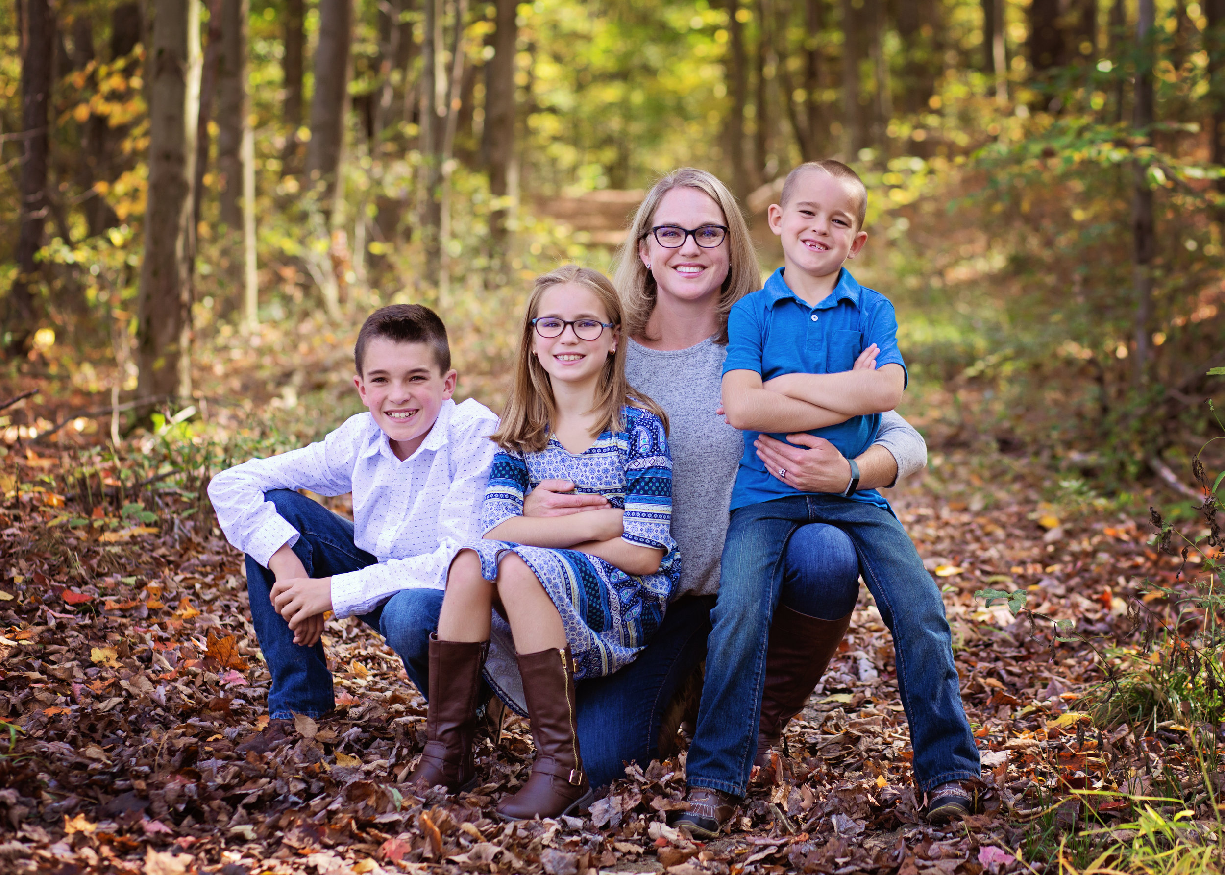 Mom and children | Kelly Rhoades Photography