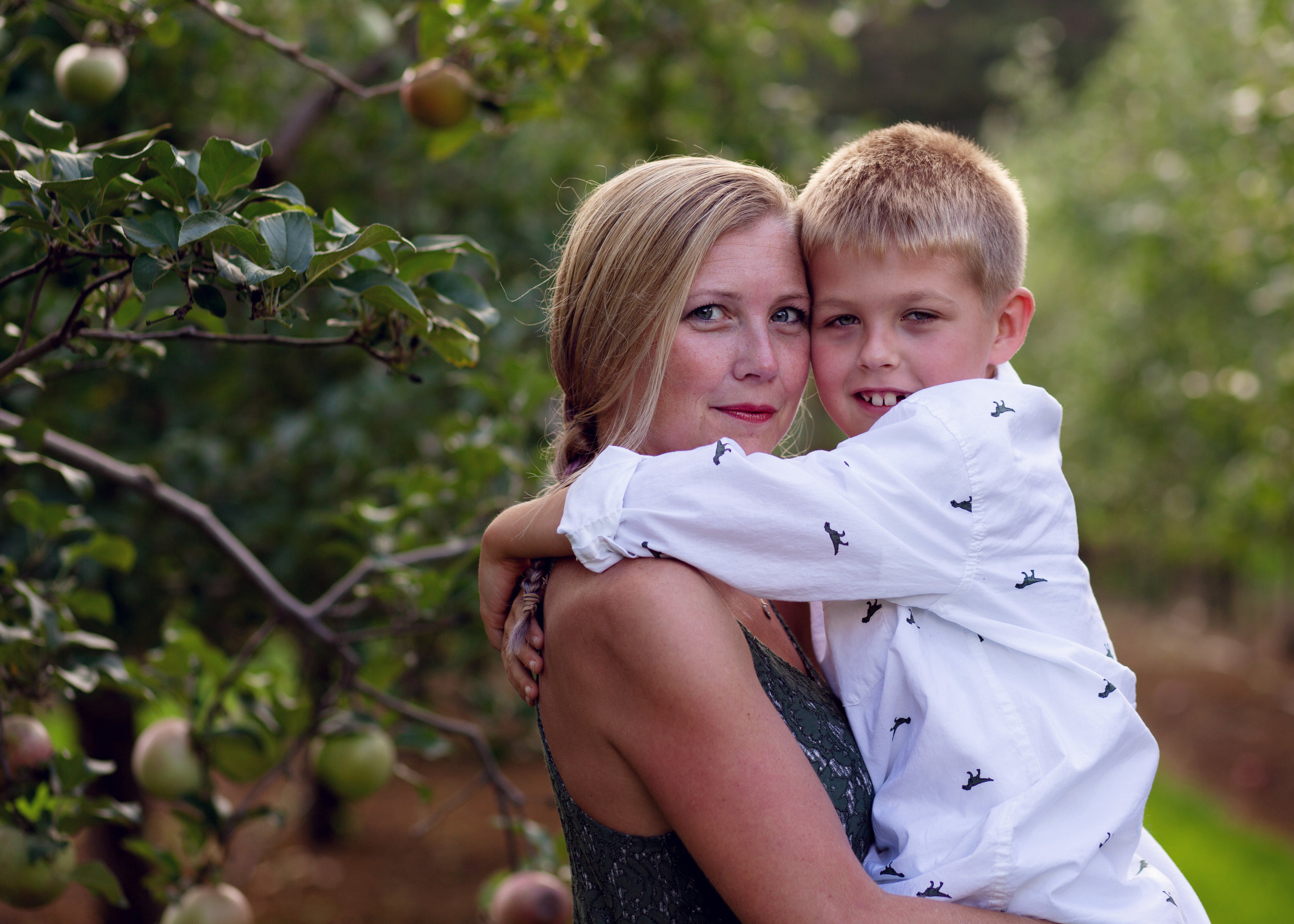 Mom and son | Kelly Rhoades Photography