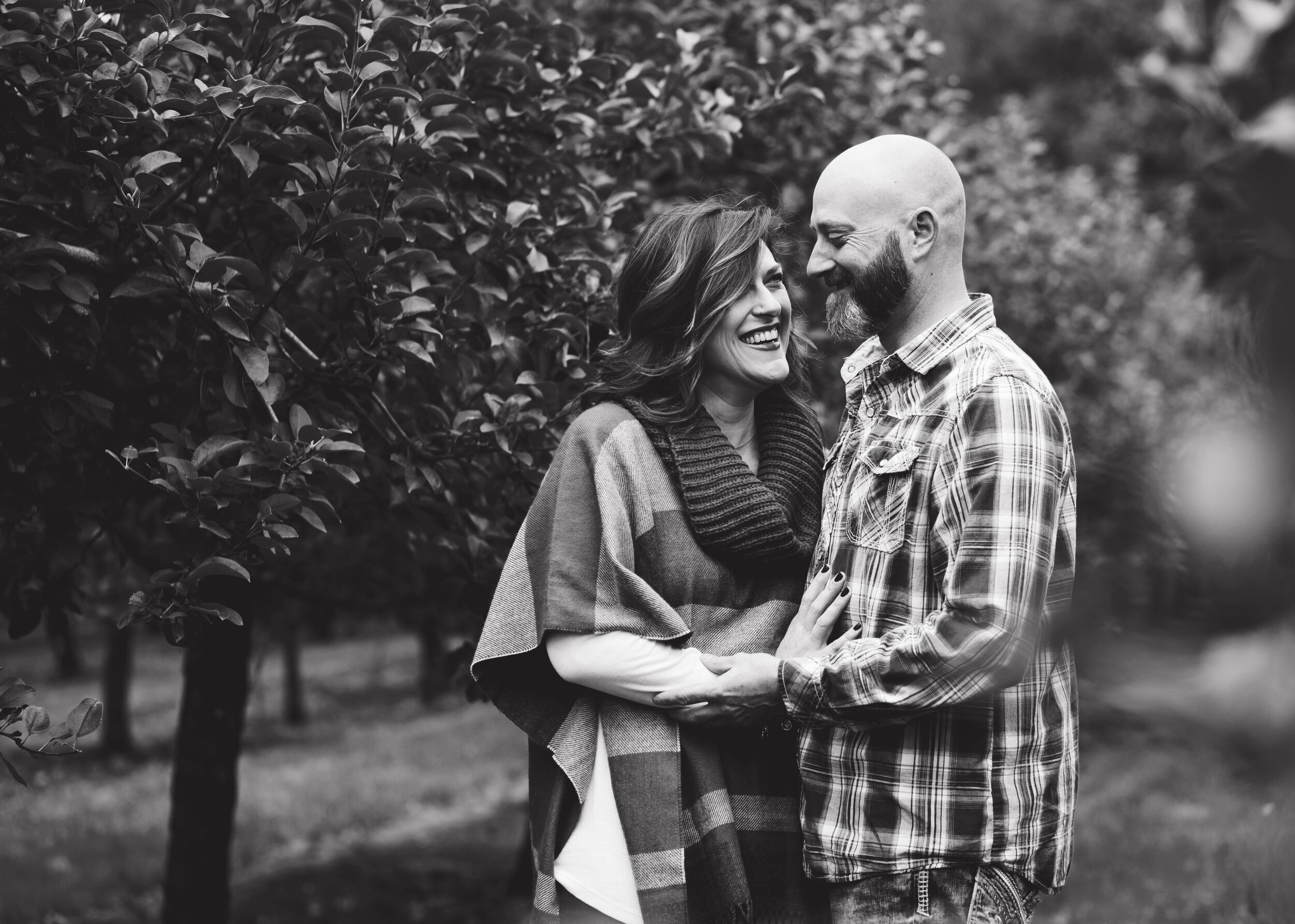B&W Couple Shot | Kelly Rhoades Photography