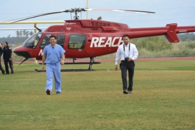 H2H major supporter,  Reach Air  transported  Congressman, Dr.Raul Ruiz  to one of our Coachella Vally Training Events. Here, he had just landed on the football field.