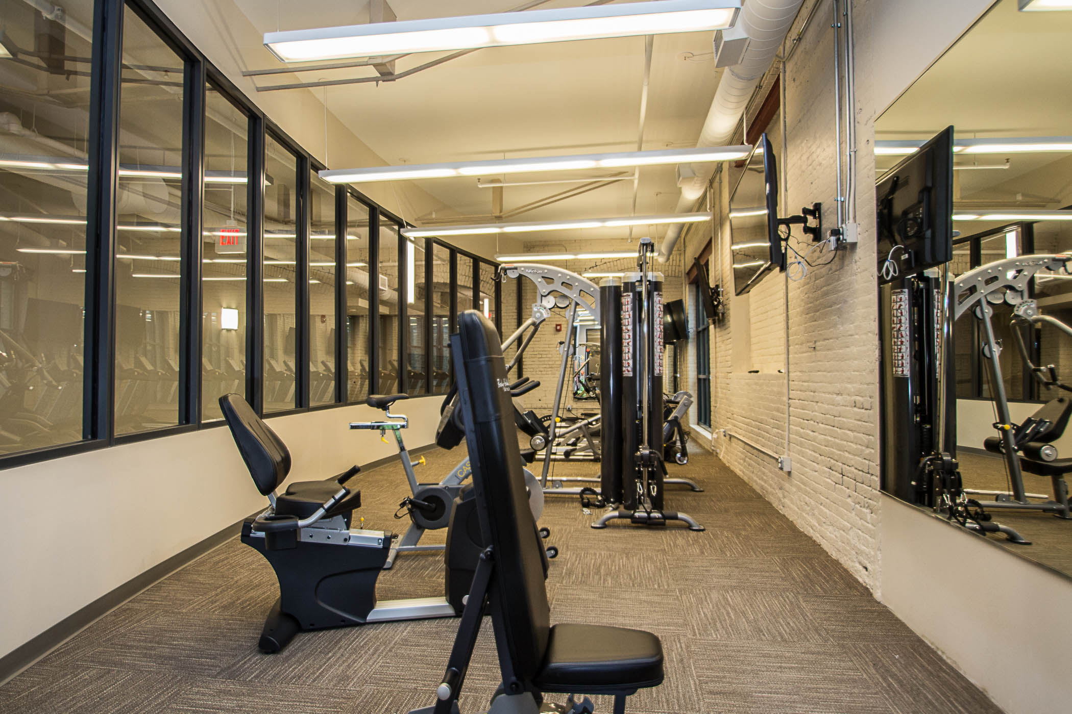 Fitness-Center-and-Lobby-pix-2.jpg