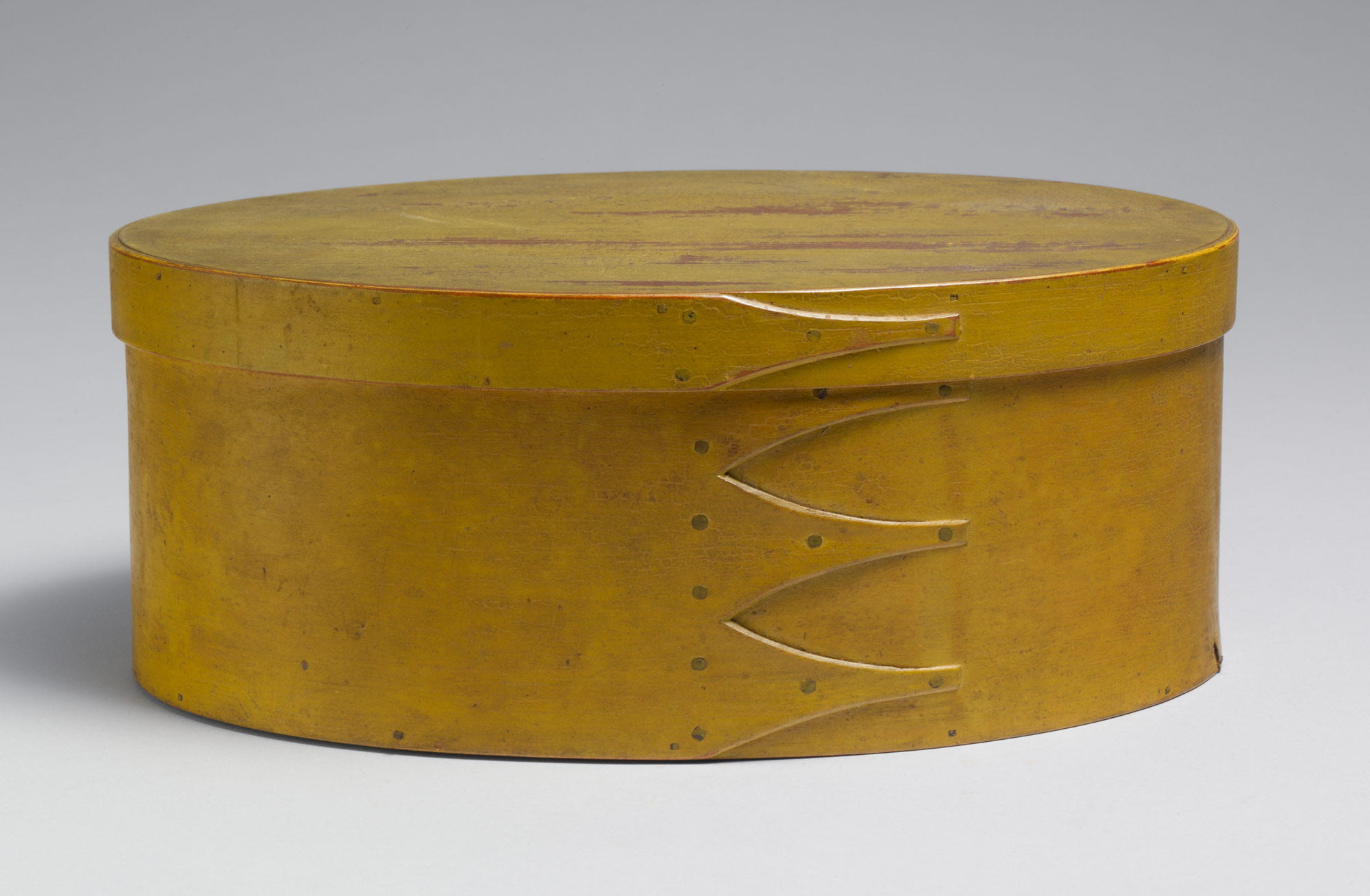 Oval box, 1800-1900. Metropolitan Museum of Art, Friends of the American Wing Fund, 1966.