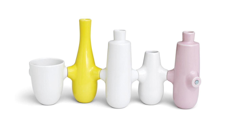 Louise Campbell_Fiducia-Vase-H210-11697_High-resolution-JPG_1605821-1332x789.jpg