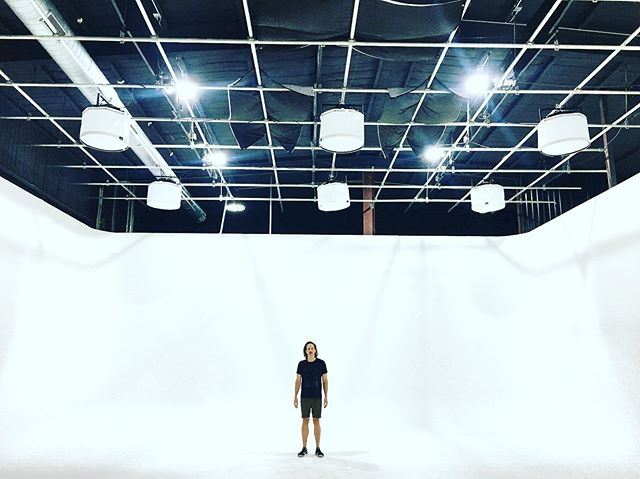 When in Austin TX, one must visit Caster Studios, and get cyc'd. It's Uuge. #setlife🎥 #whitecyc #austin #filmmaker ♥️♥️♥️♥️