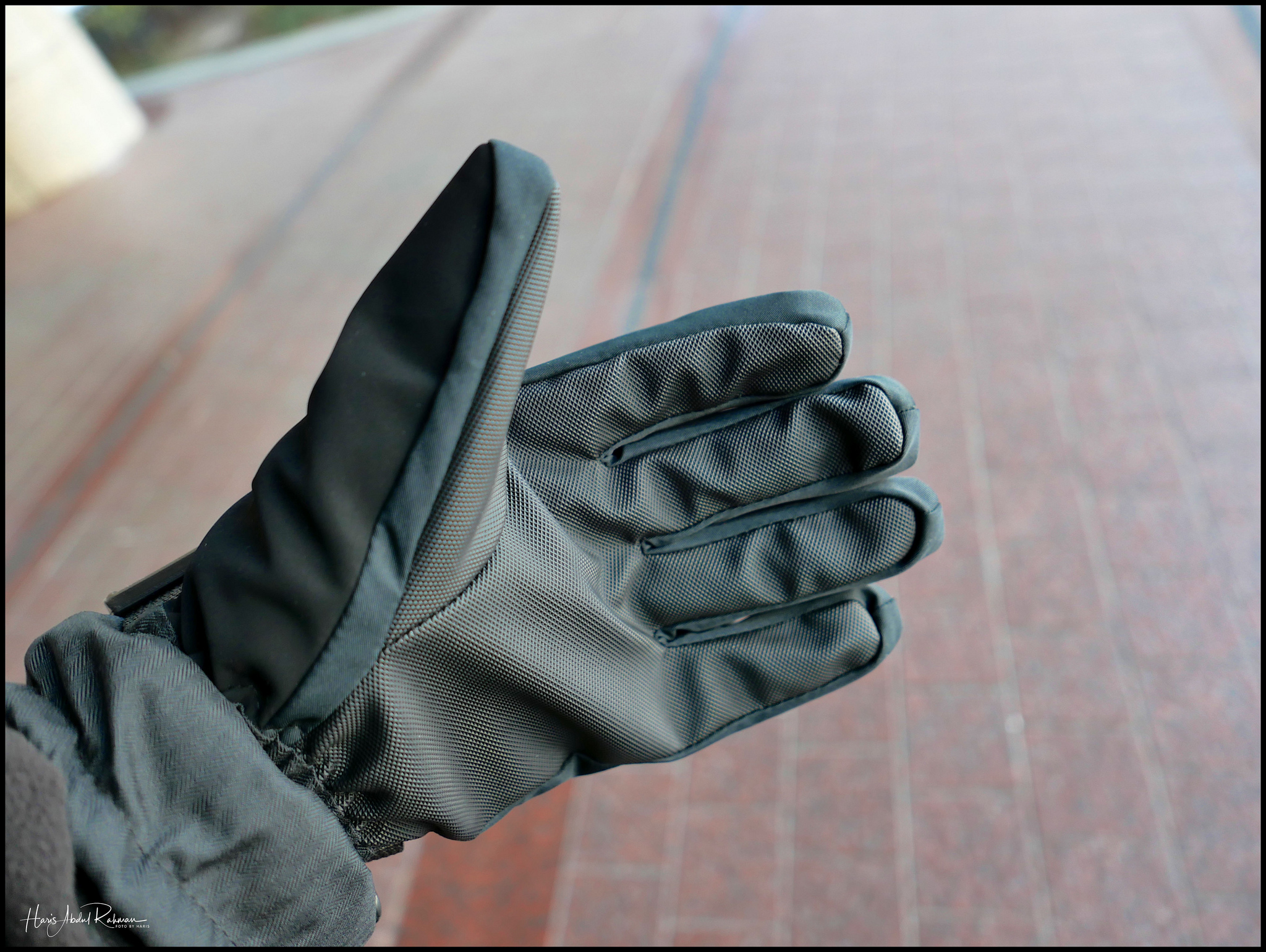 The gloves were just too comfy but too fiddly to grip my camera …
