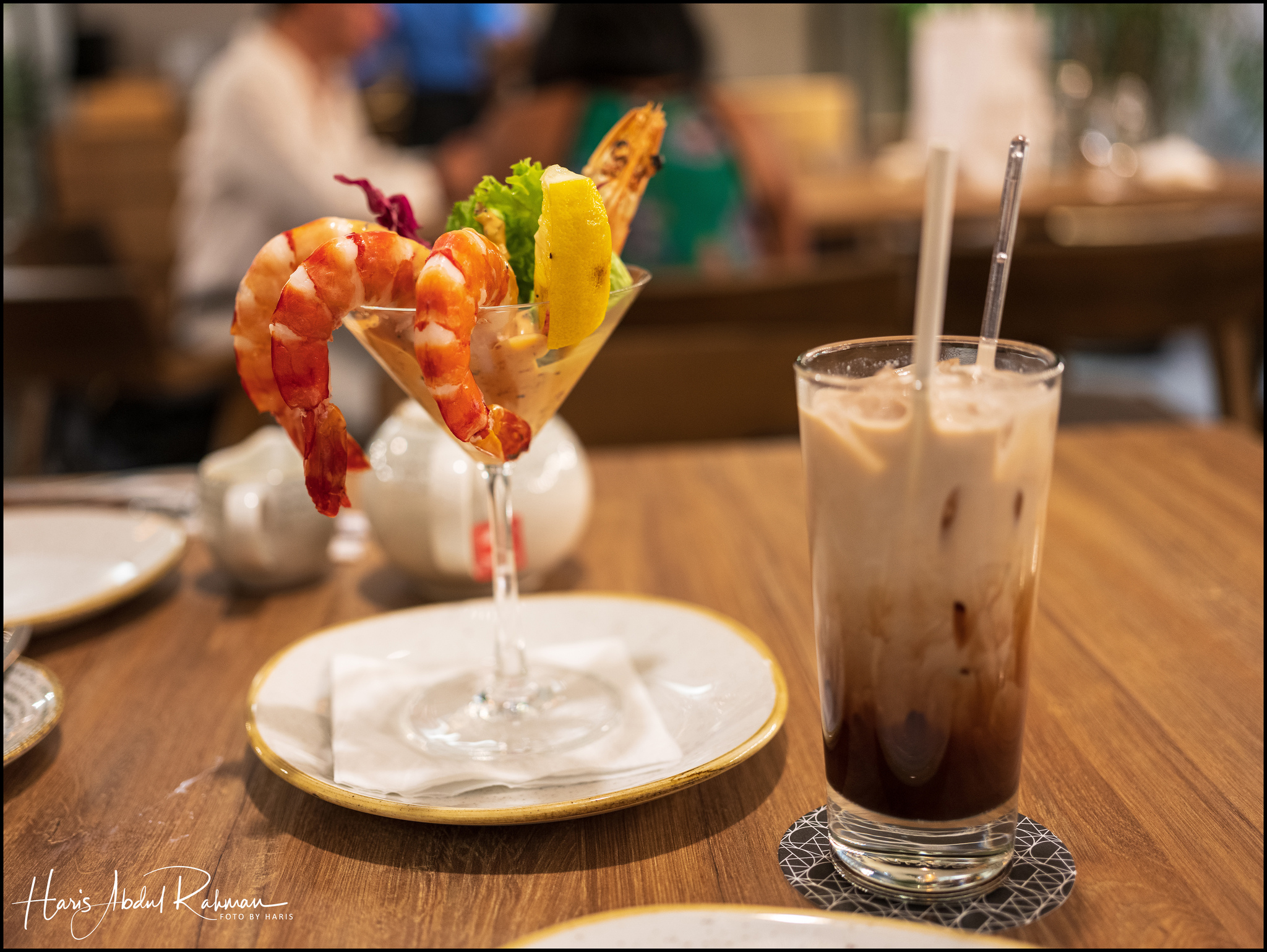 Prawn cocktail and mocha