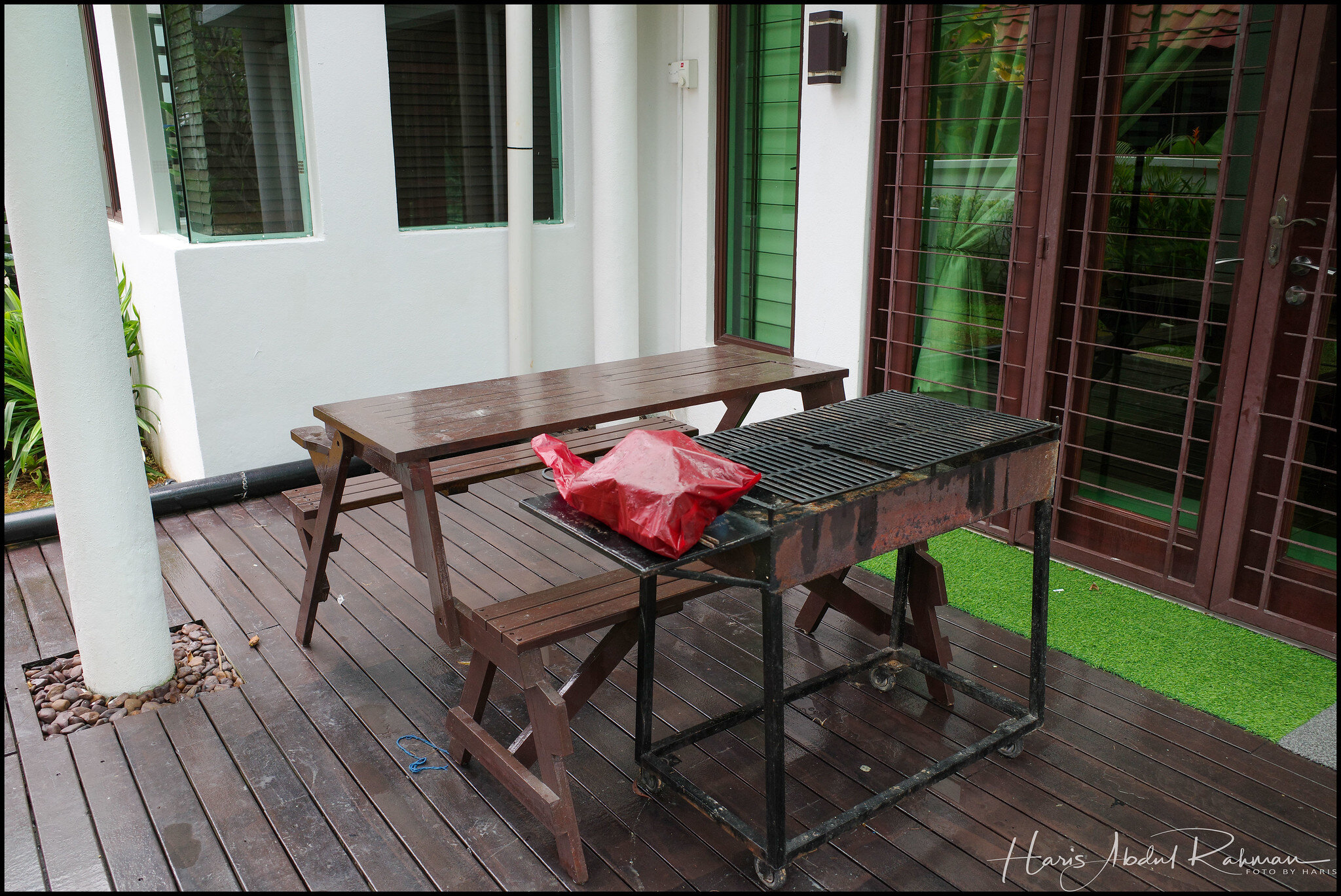 Barbecue area right outside the dining room