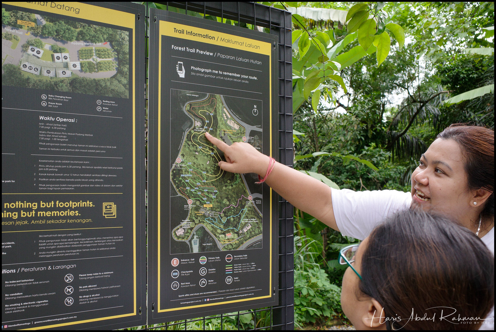 A volunteer showing us the route