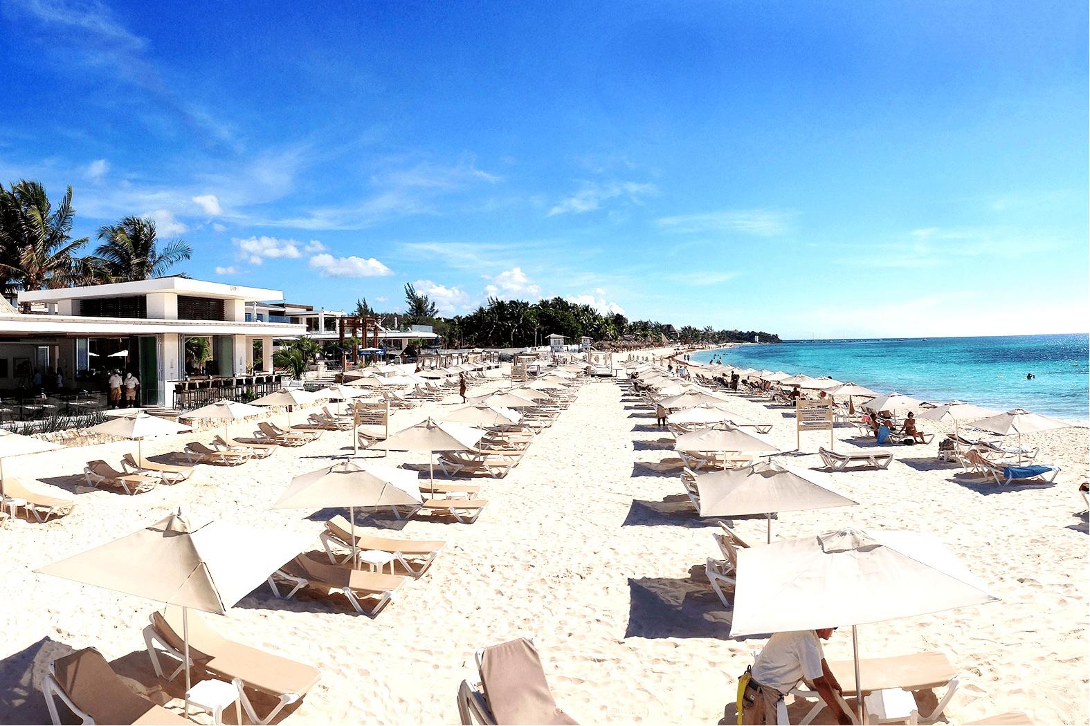 Mamitas Beach Club - Playa del Carmen