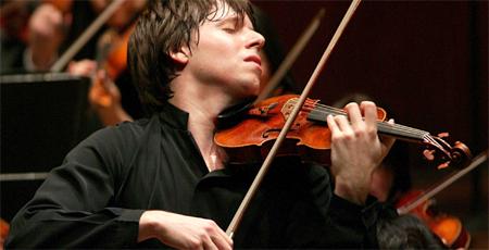 Quizá no haya sido tan buen violinista como Joshua Bell y su Stradivarius, pero la gente quería escucharlo tocar.     Fotografía de    Aaron Tang   .