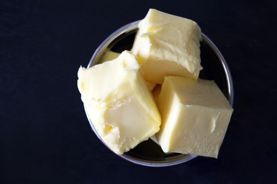 """Figura 3 -  Es muy común que al diacetilo se le asocie el término de """"mantequilla""""."""