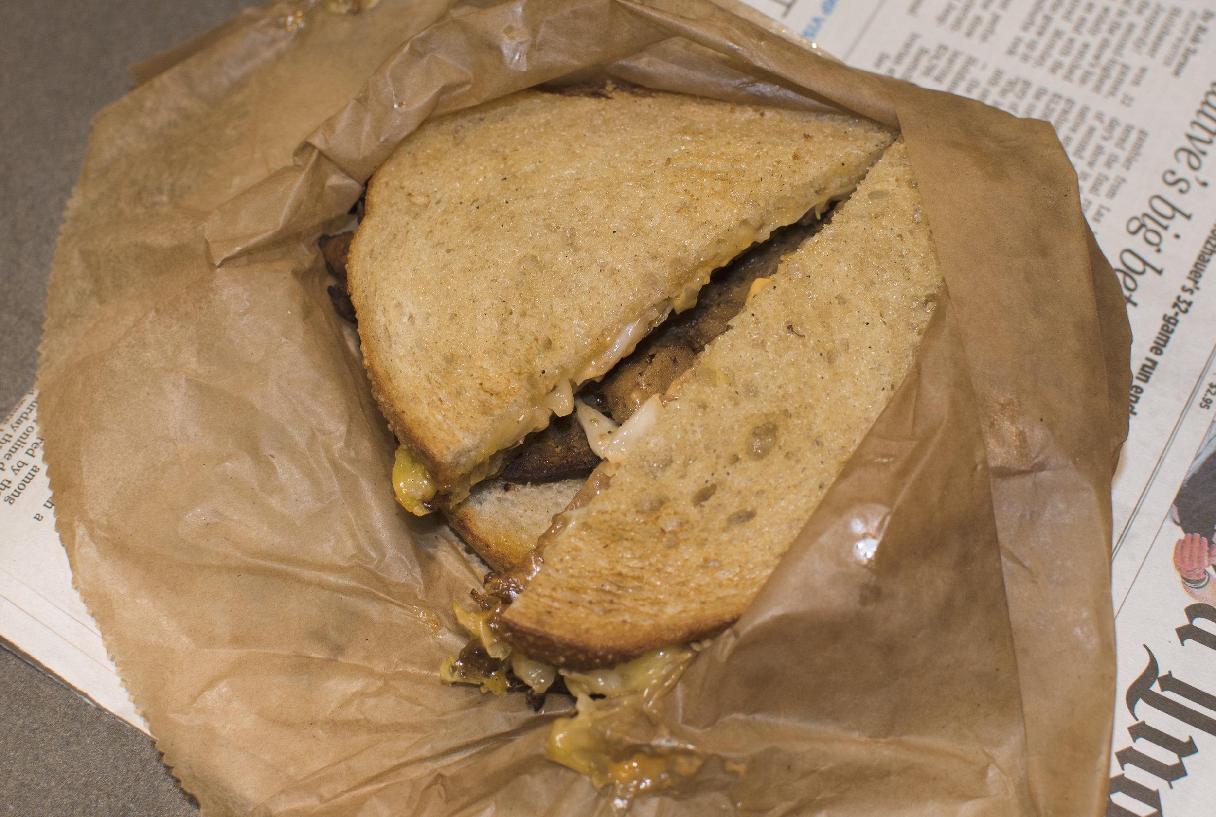Vegan-Reuben-Sandwich-Reading-Terminal-Market.jpg