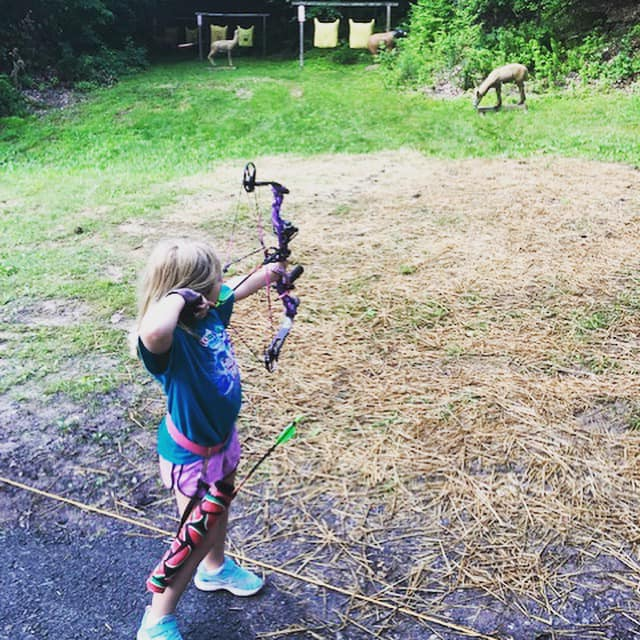 Field Staffer Adam Sites getting his young daughter out on the archery range