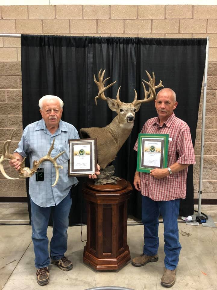 Field Staffer Waylan Langford (right) with his award winning Texas Whitetail at the 2019 Texas Trophy Hunter's Extravaganza